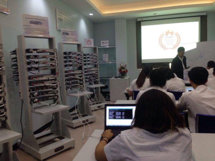 Huawei ให้การสนับสนุนอุปกรณ์และการเรียนการสอนในโครงการ HAINA แก่ สจล.